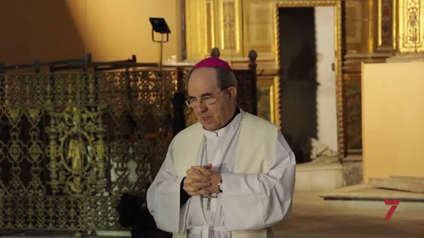 Monseñor Asenjo bendice el inicio de las obras de restauración de Santa Clara