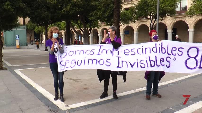 """""""Que ni las mascarillas ni la distancia social silencien hoy nuestro mensaje de igualdad"""