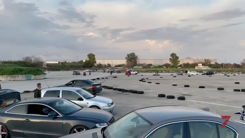 La Policía Local desmantela una concentración ilegal de casi 400 jóvenes en Jerez