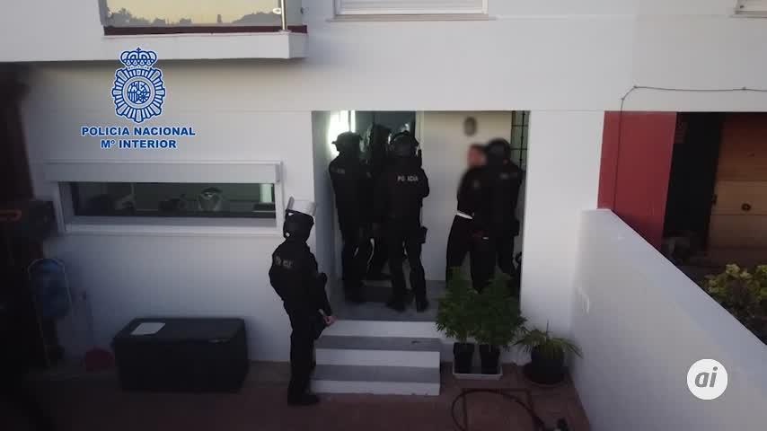 Dos empleadas sevillanas de banca detenidas por participar en una red de tráfico de drogas