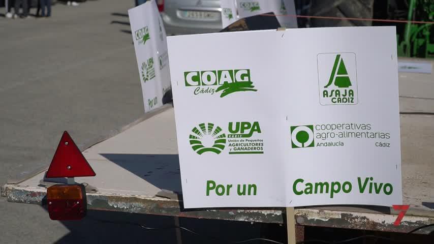 Tractorada contra los recortes de las ayudas de la PAC en Jerez