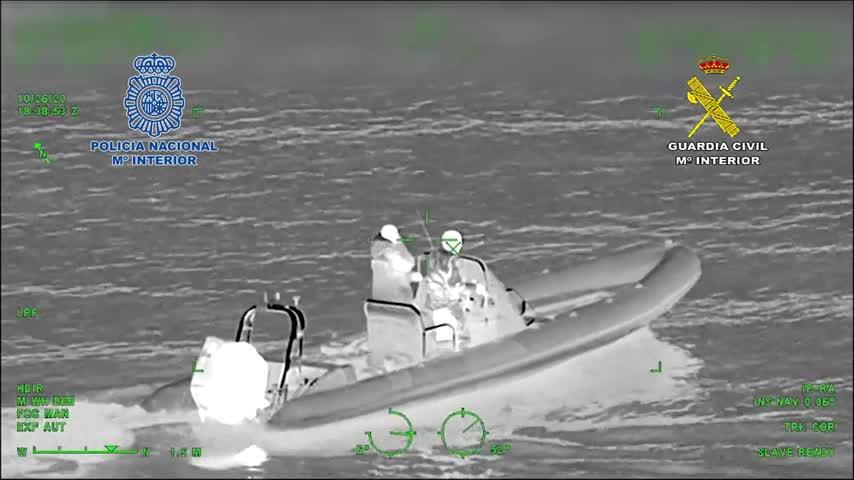 Intervienen 510 kilos de hachís ocultos en garrafas de combustible en un barco en Marbella