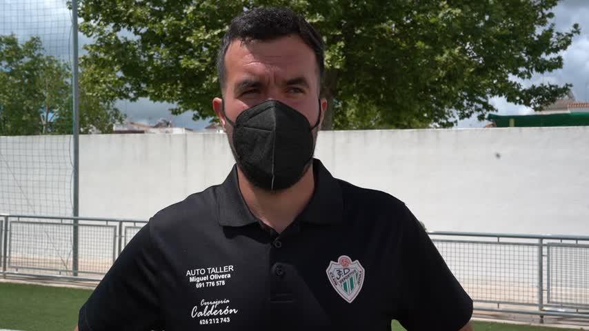 Diego González, míster del CD Jédula: