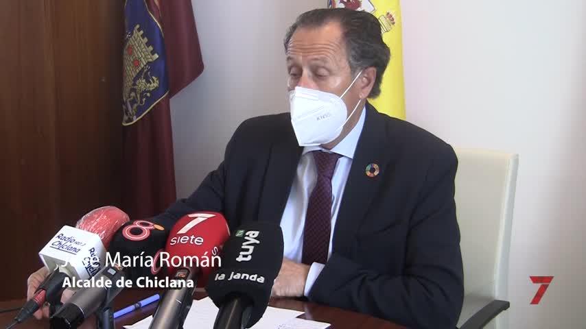 Román abre un periodo de tregua con la Junta de Andalucía tras reunirse con Mestre