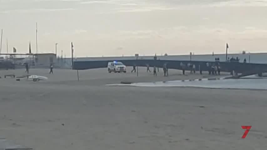 Un hombre herido al chocar dos embarcaciones en la playa de Bajo de Guía