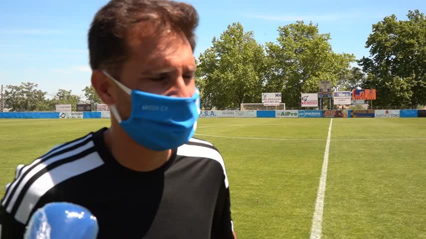 Fran Garrido debutó en el banquillo del Arcos con un empate en casa ante el Sevilla FC C