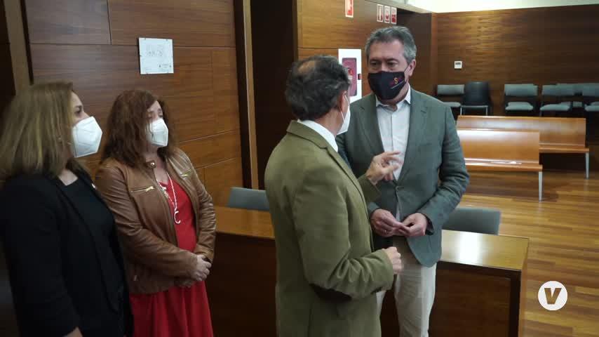El alcalde de Sevilla Juan Espadas rinde visita institucional al Ayuntamiento de Chiclana