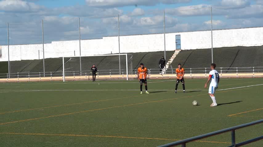 Victoria agónica del Arcos CF juvenil en Torrecera frente al Wea Sierra de Cádiz (2-3)
