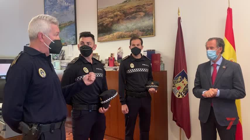 Dos nuevos agentes pasan a formar parte de la plantilla de la Policía Local