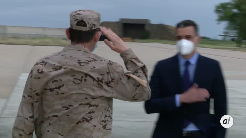 El Rey, Sánchez y Robles reciben a los últimos militares desplegados en Afganistán