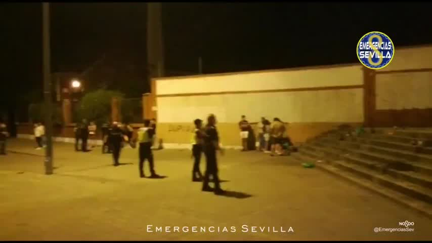 Denunciados en Sevilla 107 jóvenes en botellón y 5 bares por horario cierre
