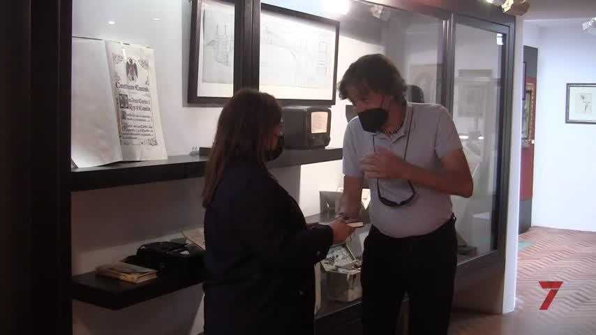 Donan al Museo el libro 'El Anarquismo en Chiclana. Diego Rodríguez Barbosa'
