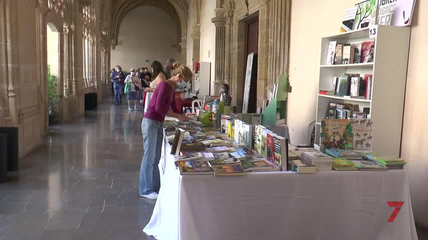 Un brindis por Caballero Bonald inaugura la Feria del Libro en Jerez
