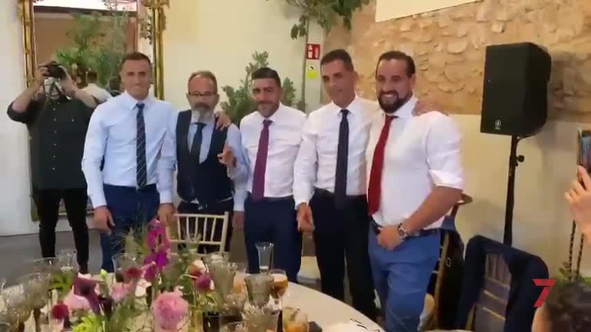 El regalo del cuerpo técnico del Cádiz a Negredo en el día de su boda