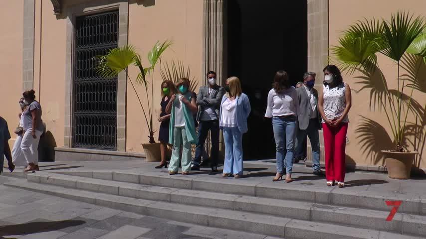 Minuto de silencio en Jerez en repulsa por los asesinatos de violencia machista