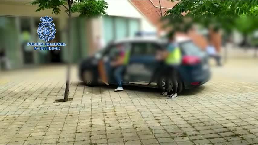 Detenido el cuidador de un septuagenario por despojarle de la casa y el coche