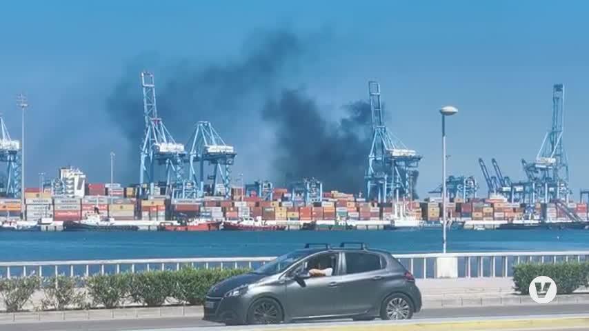 Incendio de una grúa en una terminal de contenedores del Puerto de Algeciras