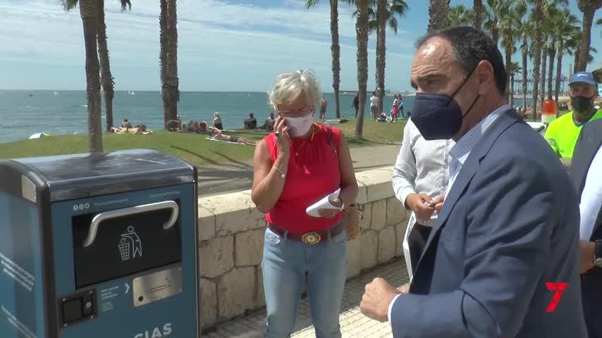 Málaga instala 100 papeleras solares que reducen la frecuencia de recogida y emisiones