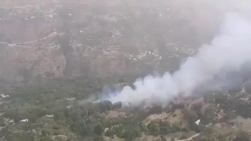 Incendio en Güéjar Sierra: Movilizados cuatro medios aéreos y 60 efectivos