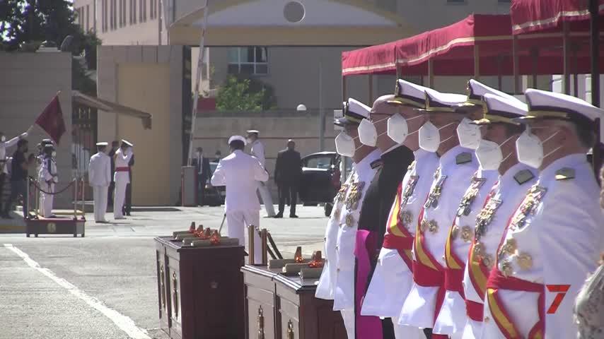 Felipe VI preside la entrega de despachos a 188 nuevos sargentos de la Armada