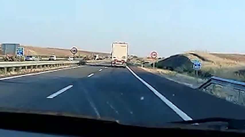 Investigado el conductor de un camión que conducía de forma temeraria