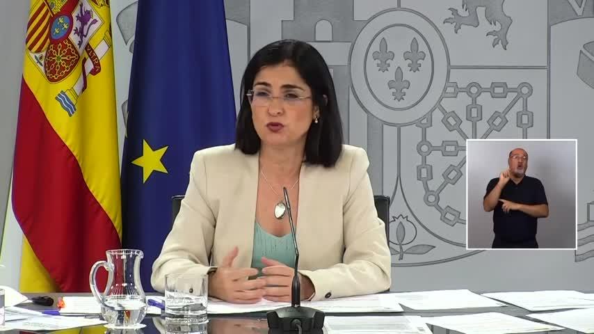 Darias contradice a Maroto: no se ha abordado el pasaporte Covid para entrar en los bares