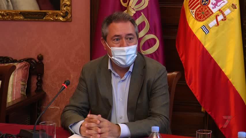El Ayuntamiento de Sevilla, sin noticias de la Iglesia para la vuelta de las procesiones