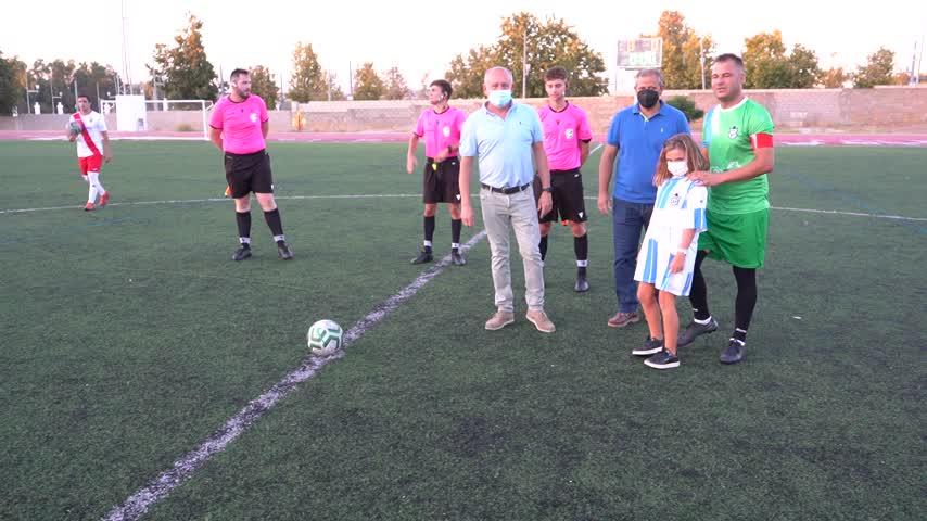 Manuel Orellana Macías recibió un cálido y sincero homenaje del club de su vida: la UDV
