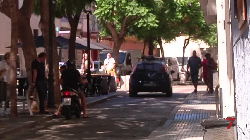 """Hosteleros de Cádiz: """"Con un bolardo no se peatonaliza, solo se corta el tráfico"""""""