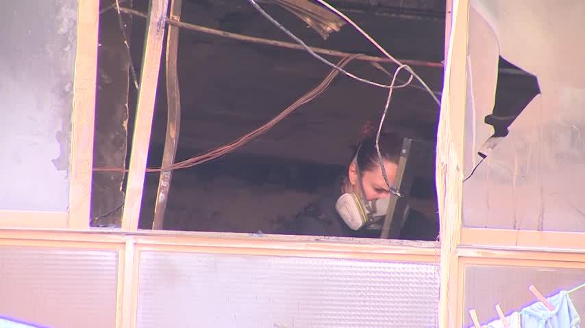 Una mujer fallecida y 18 heridos, tres de ellos graves, por un incendio en un edificio