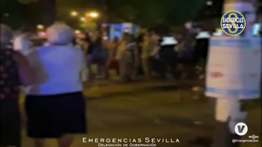 Botellones en Sevilla: unos 1.500 jóvenes dispersados en Ramón y Cajal
