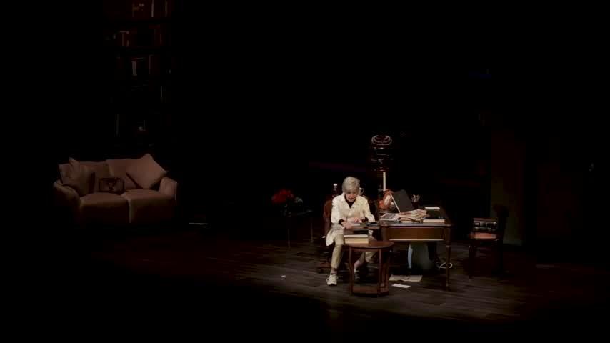 Concha Velasco dice adiós al teatro con el público puesto en pie en Logroño