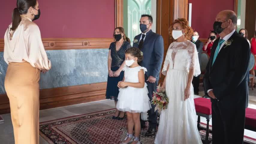 Primera boda celebrada en el salón de ceremonias del Ayuntamiento de San Fernando