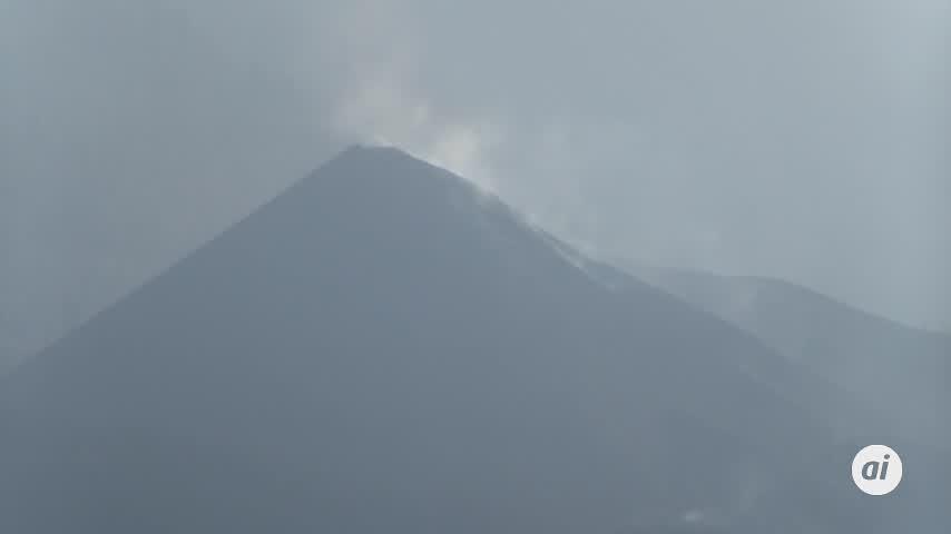 El volcán se reactiva con 46,3 millones de metros cúbicos de lava y acercándose al mar
