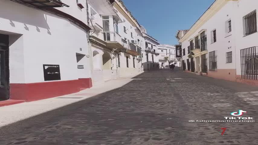 El efecto más usado en el mundo de Tik Tok es…¡la calle Carpintería Baja de Jerez!