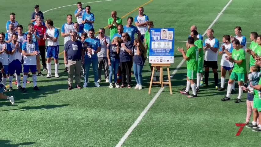 Emocionante y sentido homenaje a Collantes de sus amigos y el mundo del fútbol en Jerez