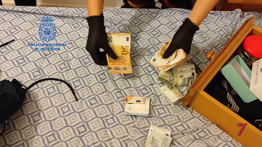 Desmantelan dos puntos de venta de drogas en Algeciras cercanos a dos colegios