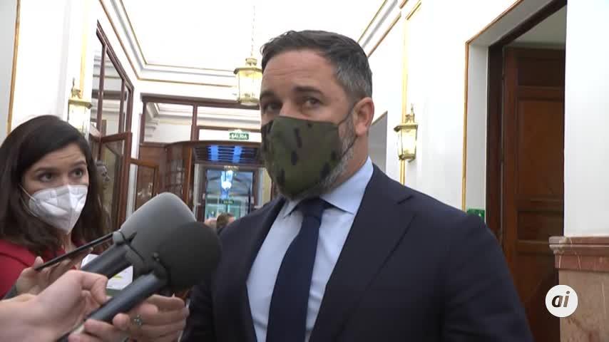 Abascal acusa a Sánchez de pactar con Otegi