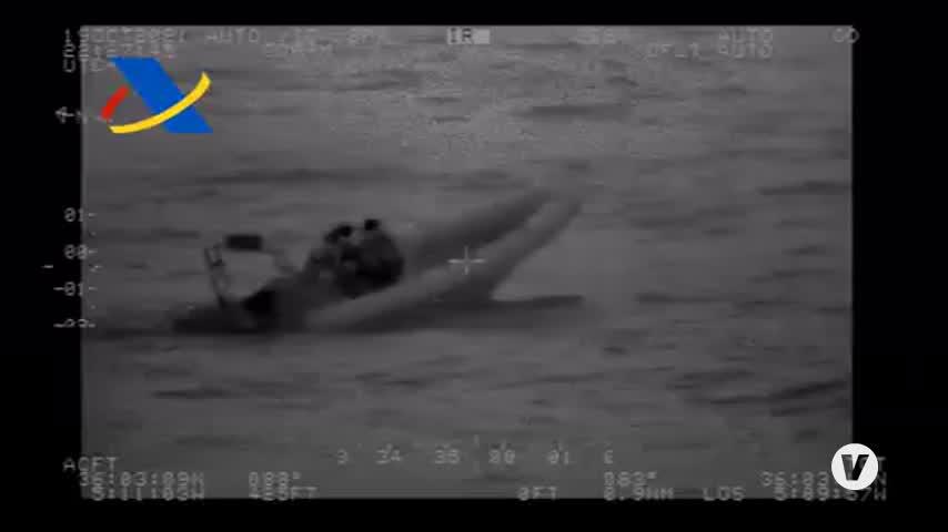 Tres detenidos en una semirrígida en La Línea tras otra persecución marítima