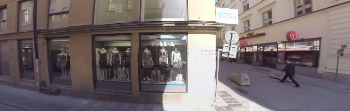 klädaffärer drottninggatan stockholm