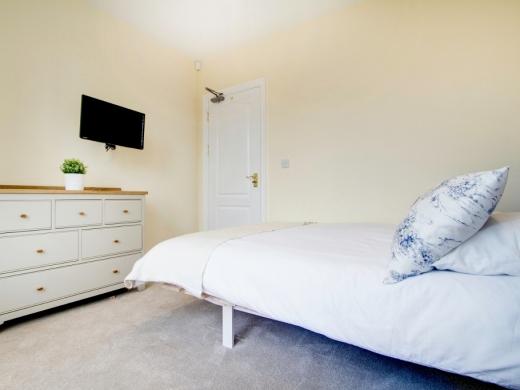 74 Derby Road 6 Bedroom Manchester Student House bedroom 13