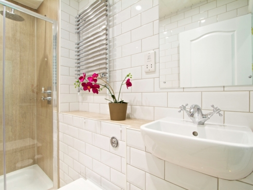 78 Derby Road 6 Bedroom Manchester Student House bathroom 2