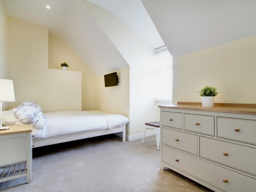78 Derby Road 6 Bedroom Manchester Student House Bedroom 1