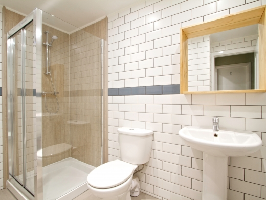 9 Sherwood Avenue 8 Bedroom Manchester Student House bathroom 2