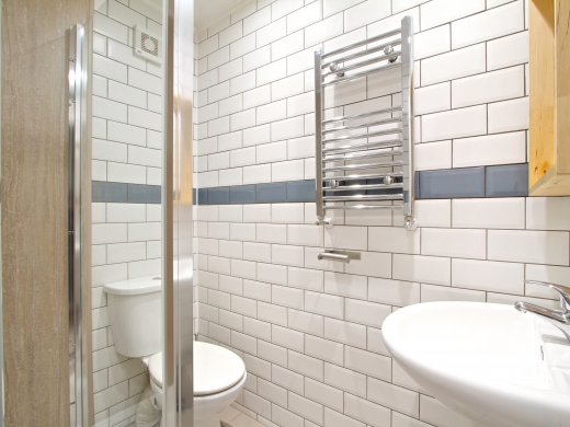 9 Sherwood Avenue 8 Bedroom Manchester Student House bathroom 1