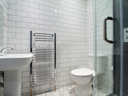 8 Furness Road 6 Bedroom Manchester Student House Bathroom 1