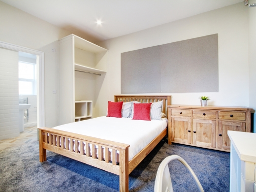 28 Waterloo Road 2 Bedroom Nottingham Student House bedroom 1
