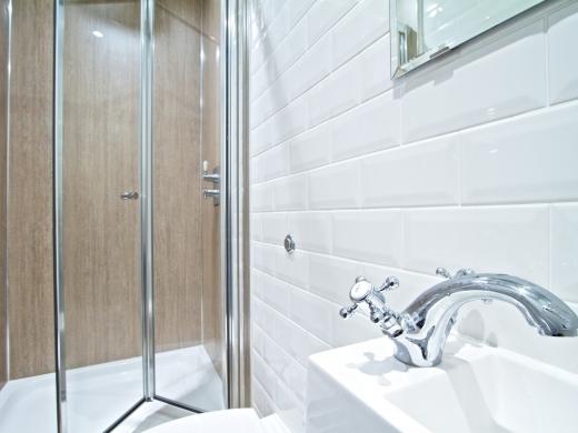 28 Waterloo Road 7 Bedroom Nottingham Student House bathroom 1