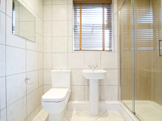 63 Borrowdale Road 6 Bedroom Liverpool Student House Bathroom 3