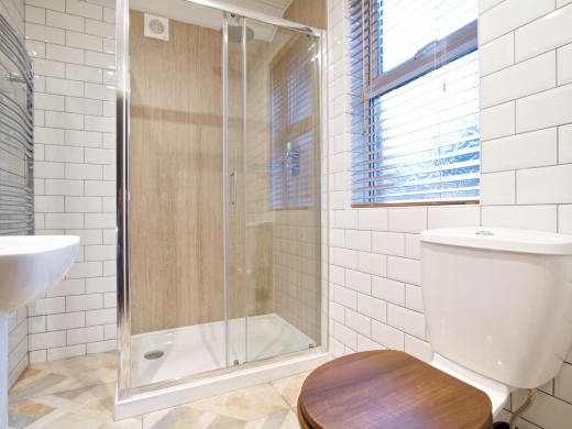 5 Langdale Road 6 Bedroom Liverpool Student House Bathroom 2